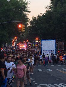 brooklyn pride crowd